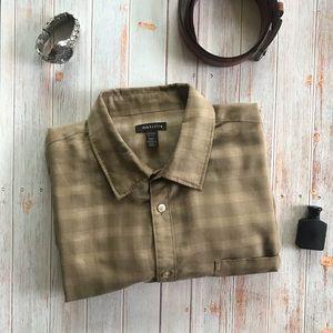 Van Heusen Beige/tan men's button down shirt A98